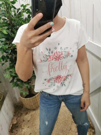 CAMISETA PRETTY - Ver os detalles do produto
